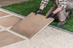 Ako svojpomocne vybudovať terasu z gresových dlažieb solid 2.0